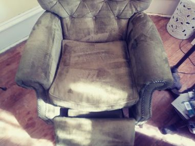 Before & After Upholstery Cleaning in Taylor, TX (2)