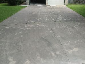 Before During & After Driveway & Garage Pressure Washed in Hutto, TX (2)