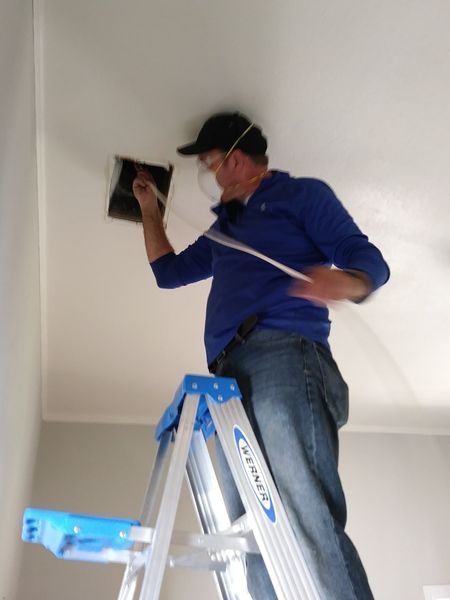 Air Duct Cleaning in Elgin, TX (5)