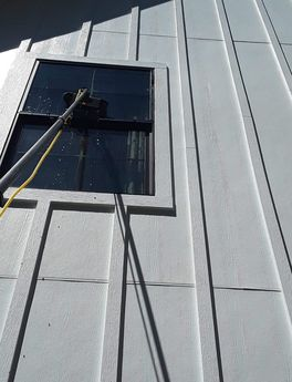 Windows and Screen Cleaning near Giddings, TX (10)