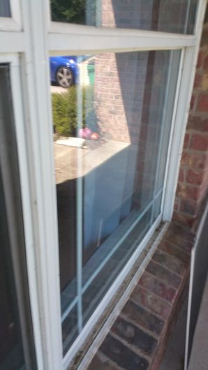 House Cleaning, Pressure Washing & Window Cleaning in Elgin, TX to Prepare Home to go on the Market for Sale (4)