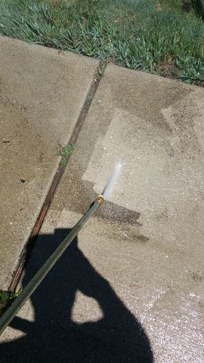 House Cleaning, Pressure Washing & Window Cleaning in Elgin, TX to Prepare Home to go on the Market for Sale (3)