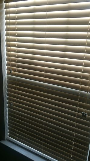 Before & After Deep Cleaning in Elgin, TX Tobacco Smoke on Blinds and AC Vent Covers (1)