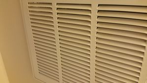 Before & After Deep Cleaning in Elgin, TX Tobacco Smoke on Blinds and AC Vent Covers (4)