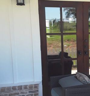 Windows and Screen Cleaning near Giddings, TX (2)