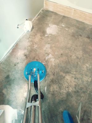 Before & After of Concrete Floor Sanitizing & Sealing in Lexington, TX (1)