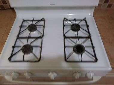Before & After Stove and Bath Cleaning in Elgin, TX (4)