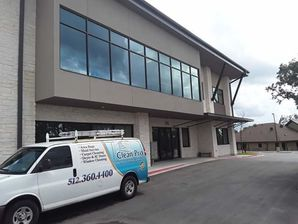 Window Cleaning in Dripping Springs, TX (4)