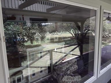 Window and Screen Cleaning in Round Top, TX (4)