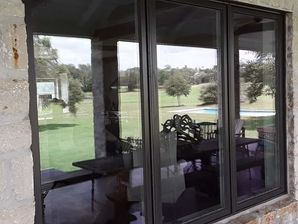 Window and Screen Cleaning in Round Top, TX (5)