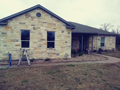 Exterior Screen & Window Cleaning in The Colony in Cedar Creek, TX (3)